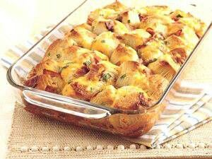 Bacon cheese pull apart bread | appetizers / snacks | Pinterest