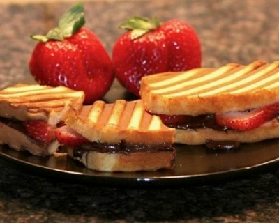 Chocolate (Nutella) - Strawberry Panini. Made With Pound Cake, Nutella ...