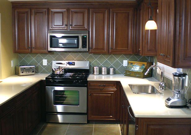 Backsplashes and cabinets beautiful combinations for Kitchen countertops and cabinet combinations