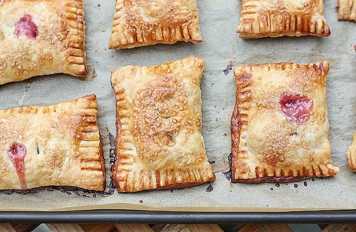 Cherry Hand Pies! Looks like a good excuse to give homemade puff ...