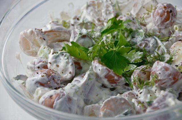 Tzatziki Potato Salad The cucumber/yogurt/dill/garlic based sauce ...