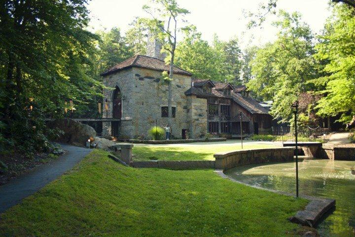 Castle mcculloch in jamestown nc by greensboro a wonderful castle
