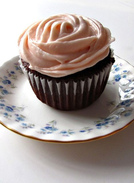 Chocolate Banana Cupcakes With Cream Cheese Icing These are amazing!!!