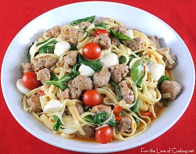 with Turkey Italian Sausage, Tomatoes, Arugula, and Ciliengini