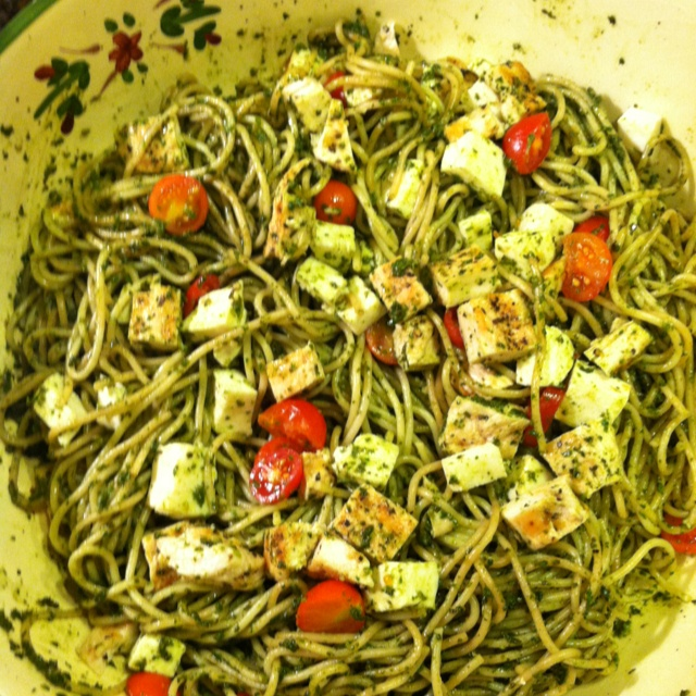 Spinach Pesto Pasta With Paprika Grilled Chicken Recipe ...