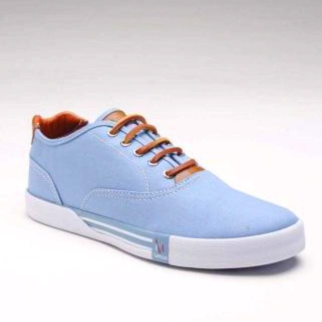 Impulse shoes, $35 on jackthreads