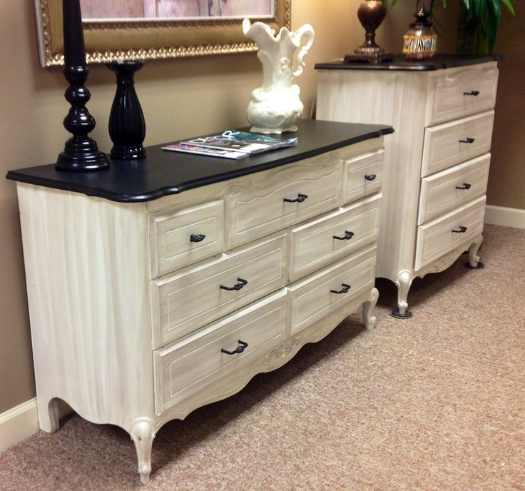 Dresser & chest Old white chalk paint | Fun With Furniture