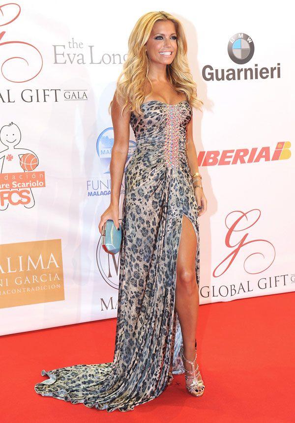 Sylvie Van der Vaart en los Global Gilft gala 2012. Vestidos Invitadas. Bodas.