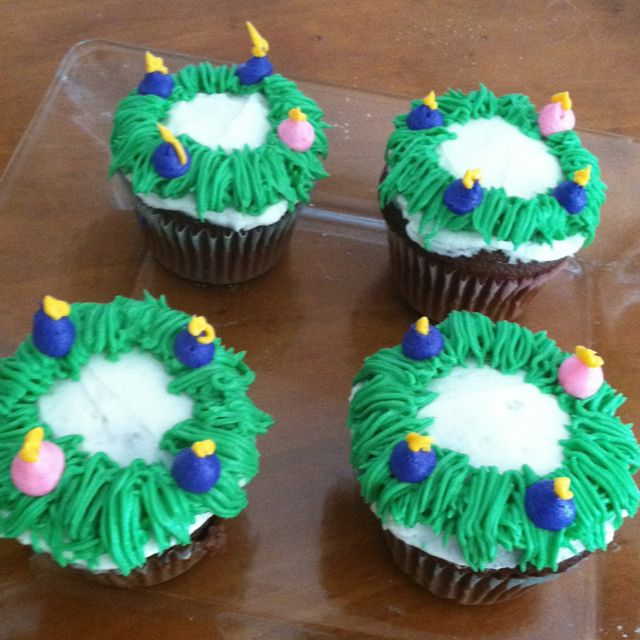 Advent wreath cupcakes