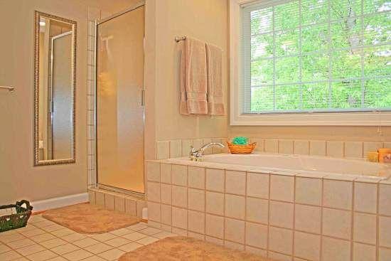 Cleaning bathroom tiles