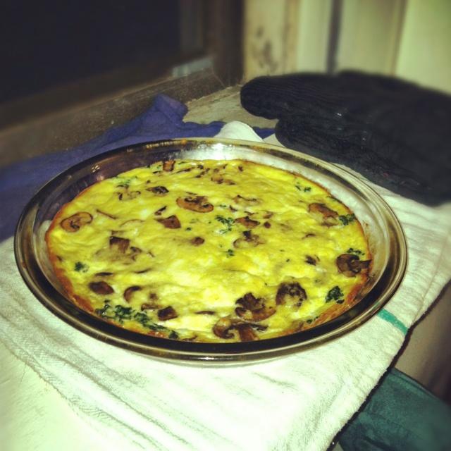 Spinach, mushroom & feta crustless quiche made from http://budgetbytes ...