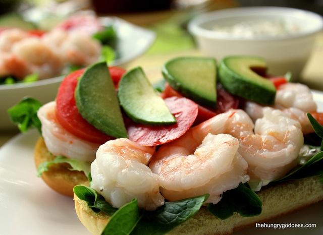 shrimp roll with tarragon caper mayonnaise #hgeats