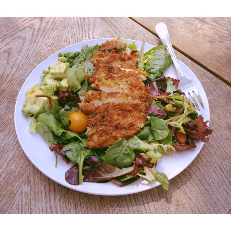 avocado fried chicken salad with heirloom tomatoes
