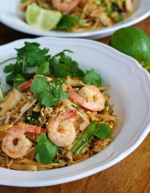 light and easy Shrimp Pad Thai recipe and cooking video #padthai # ...