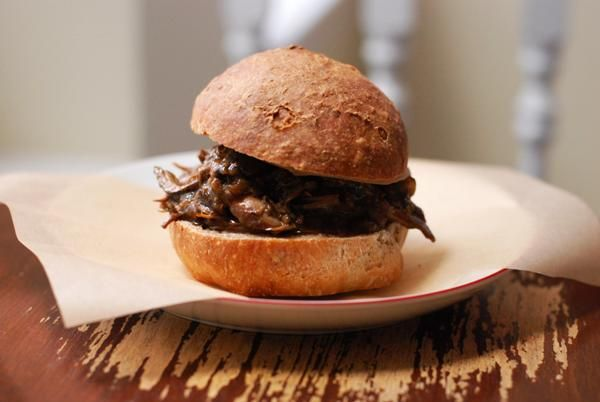 Pulled Jerk Chicken Sandwiches {Not Derby Pie} - recipe for pulled ...