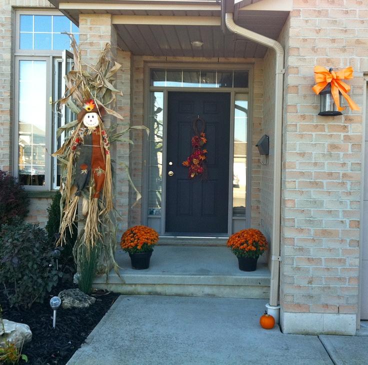 Fall front porch decor halloween fall decor pinterest for Front porch fall decor