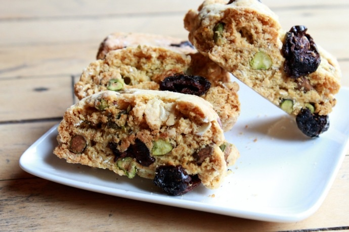 Pistachio and dried cherry biscotti | Treats | Pinterest