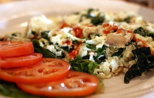 tomato, spinach, and feta cheese omelet. | Get In My Belly | Pinterest