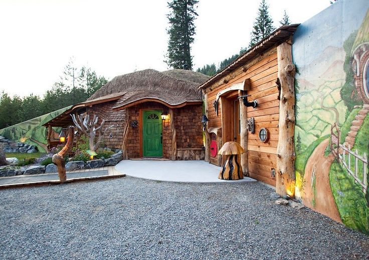 The hobbit village in photos 20 strange and unusual for Unusual houses for sale in us