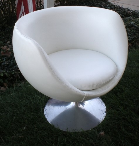 Modern pod or egg chair modern chairs for the home pinterest