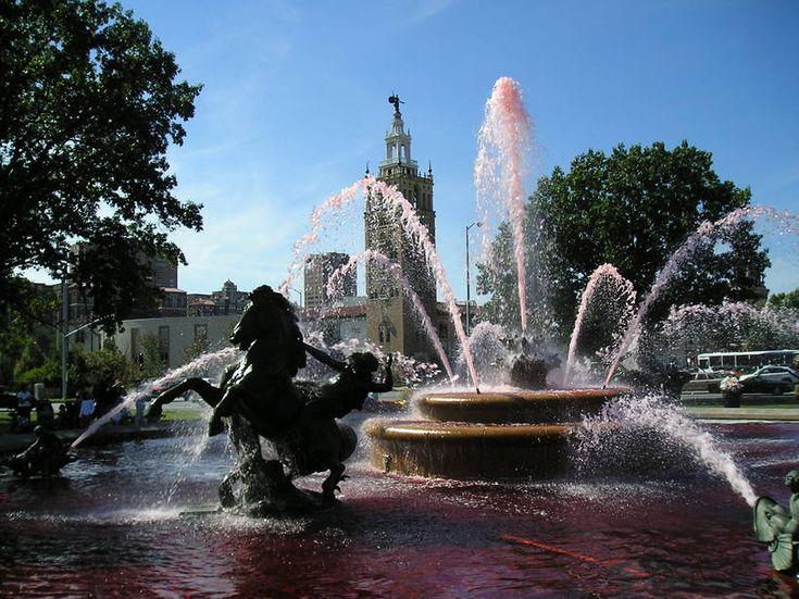 plaza kansas city memorial day hours