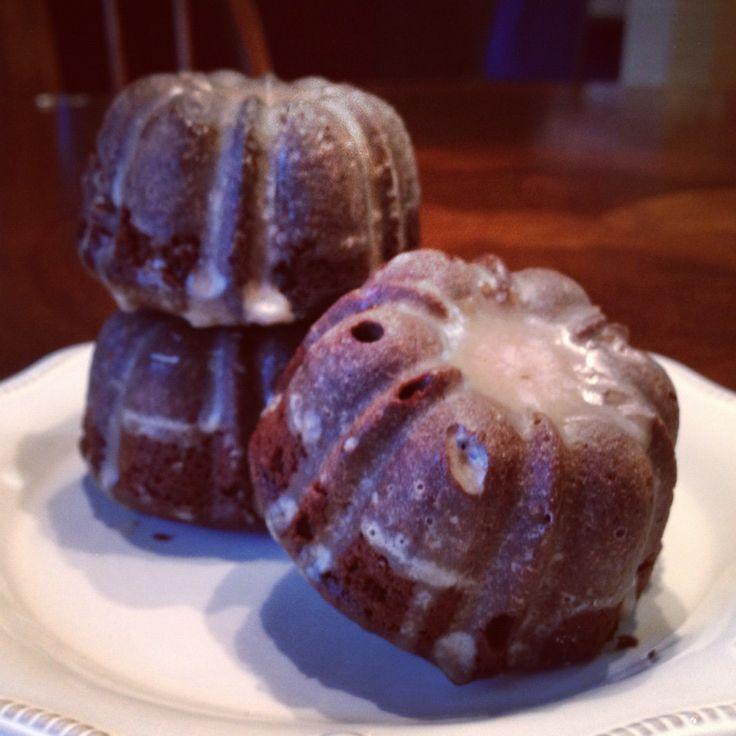 gingerbread mini bundt cakes | christmas | Pinterest