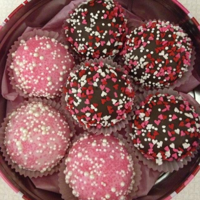 Valentines Day Cake Balls | Cake Balls! | Pinterest