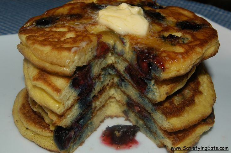 Fluffy, gluten-free, pancakes made with almond flour