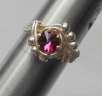 Easy Beaded Solitaire Ring - A wire wrap tutorial from YrDesign
