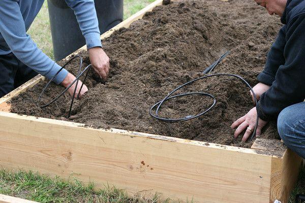 IRRIGATION SYSTEM FOR RAISED BED GARDEN Gardening tips