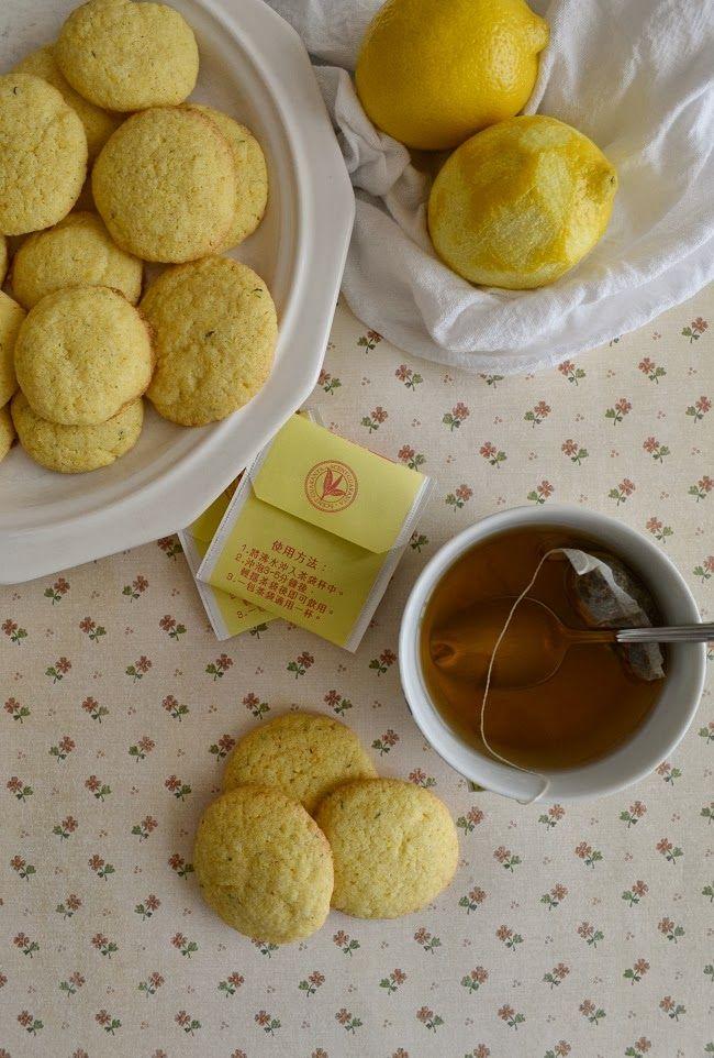 Gluten-free lemon cornmeal cookies with thyme