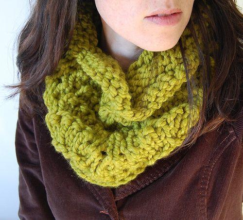 Chunky Knit Cowl Pattern Free : chunky lace cowl. free pattern. yarn love. knitting. Pinterest
