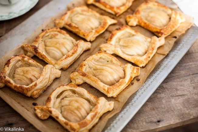 Salted Caramel Pear Tarts... bet this would be delicious with apples