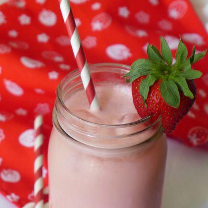 Strawberry Almond Horchata Recipe — Dishmaps