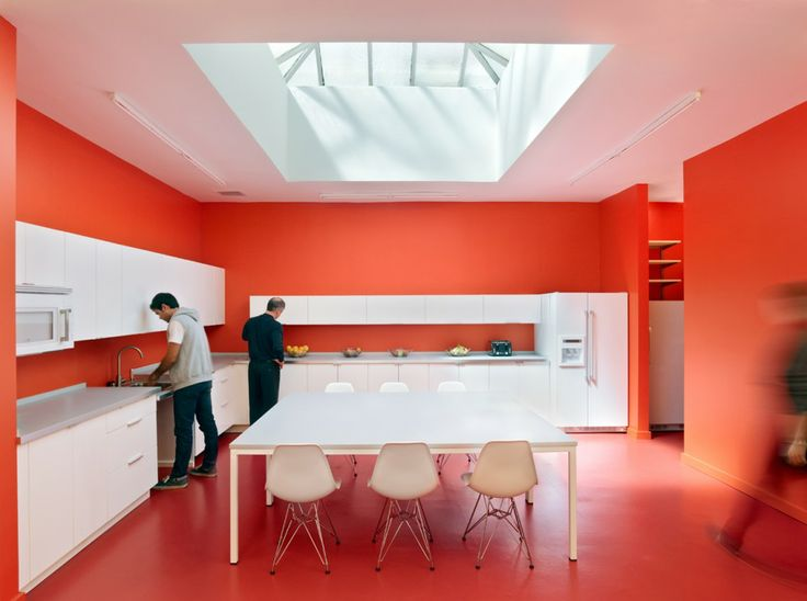 Dream kitchen! Minimal shapes, strong colors.    #kitchen #modern #color