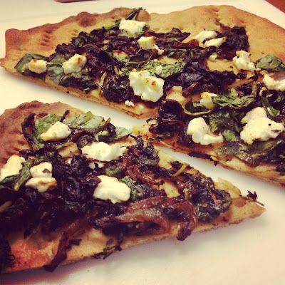 Caramelized Onion, Goat Cheese, and Spinach Flatbread [Pizza] | Recipe