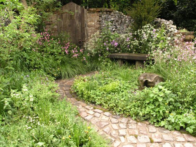 Secret garden ideas gardens and flowers pinterest for Arreglar un jardin abandonado