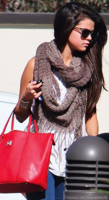 Street Style | Selena Gomez