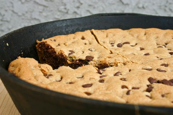 Skillet-Baked Chocolate Chip Cookie | sweet tooth | Pinterest