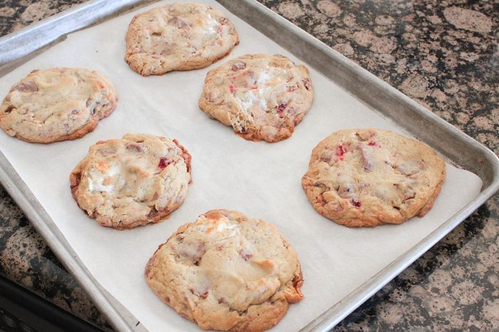 Cherry, Chocolate Chunk and Marshmallow Cookies...aka Reed's Pantry C ...