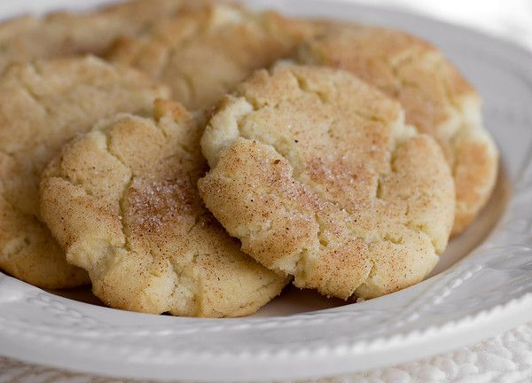 Cinnamon sugar cookies. You need to take one for each hand. :)