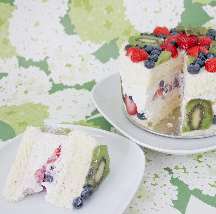 Lemon chiffon cake with fruit and lavender cream - bjl