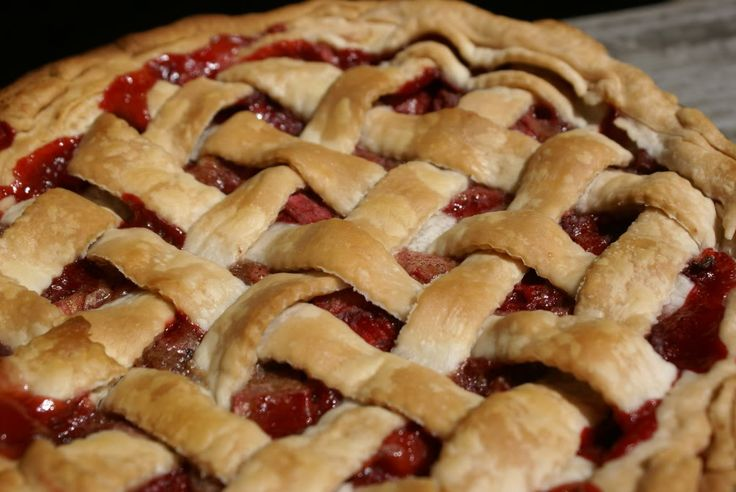 Strawberry Rhubarb Pie - used this filling, and topped with pecan ...