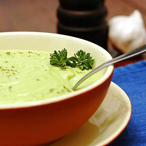 Guacamole soup - a cold soup that will be perfect for those hot summer ...