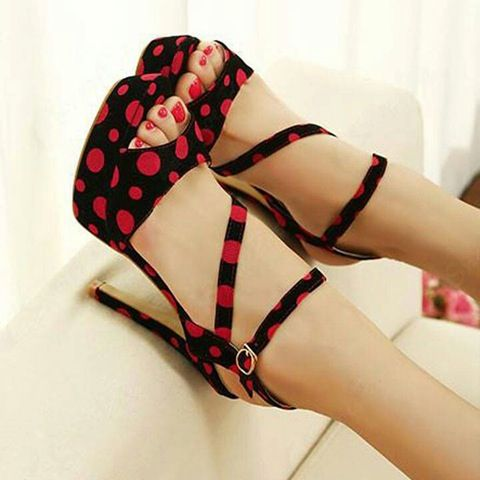 Red polka-dots   Spots before my eyes   Pinterest