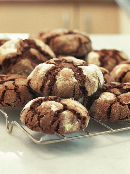 Chocolate Crinkle Cookies | Cookies I need to make | Pinterest