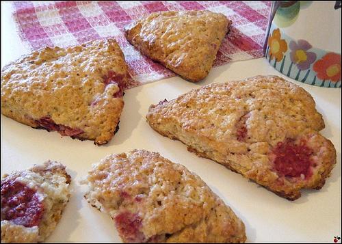 RASPBERRY-LAVENDER OAT SCONES   Breakfast/Brunch   Pinterest