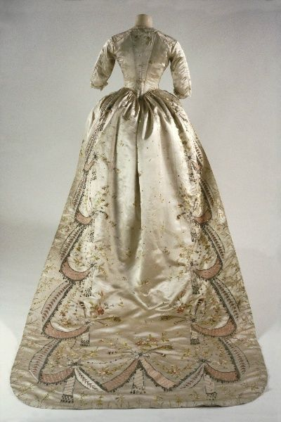 Gown embroidered with flowers belonged to MA