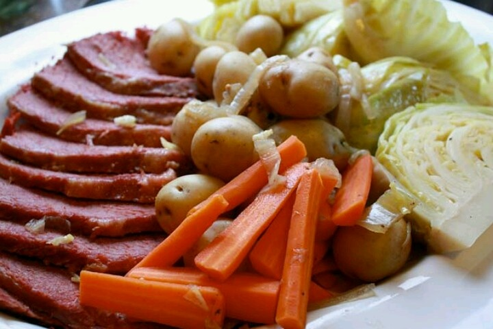 Slow-cooked corn beef and cabbage | My Virtual Cookbook | Pinterest