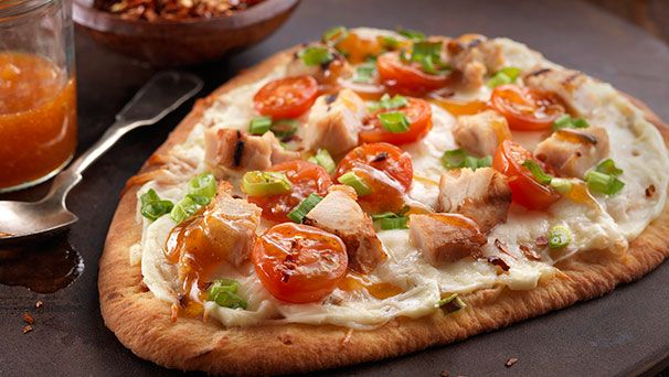 Thai Chicken Naan Pizza With Peanut Sauce, Red Pepper & Carrots ...